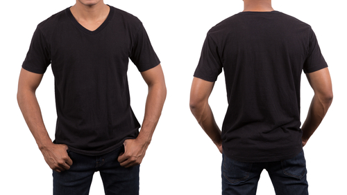 man wearing blank black t-shirt-img-blog